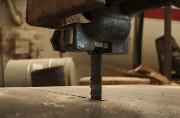Lumber With A Bandsaw